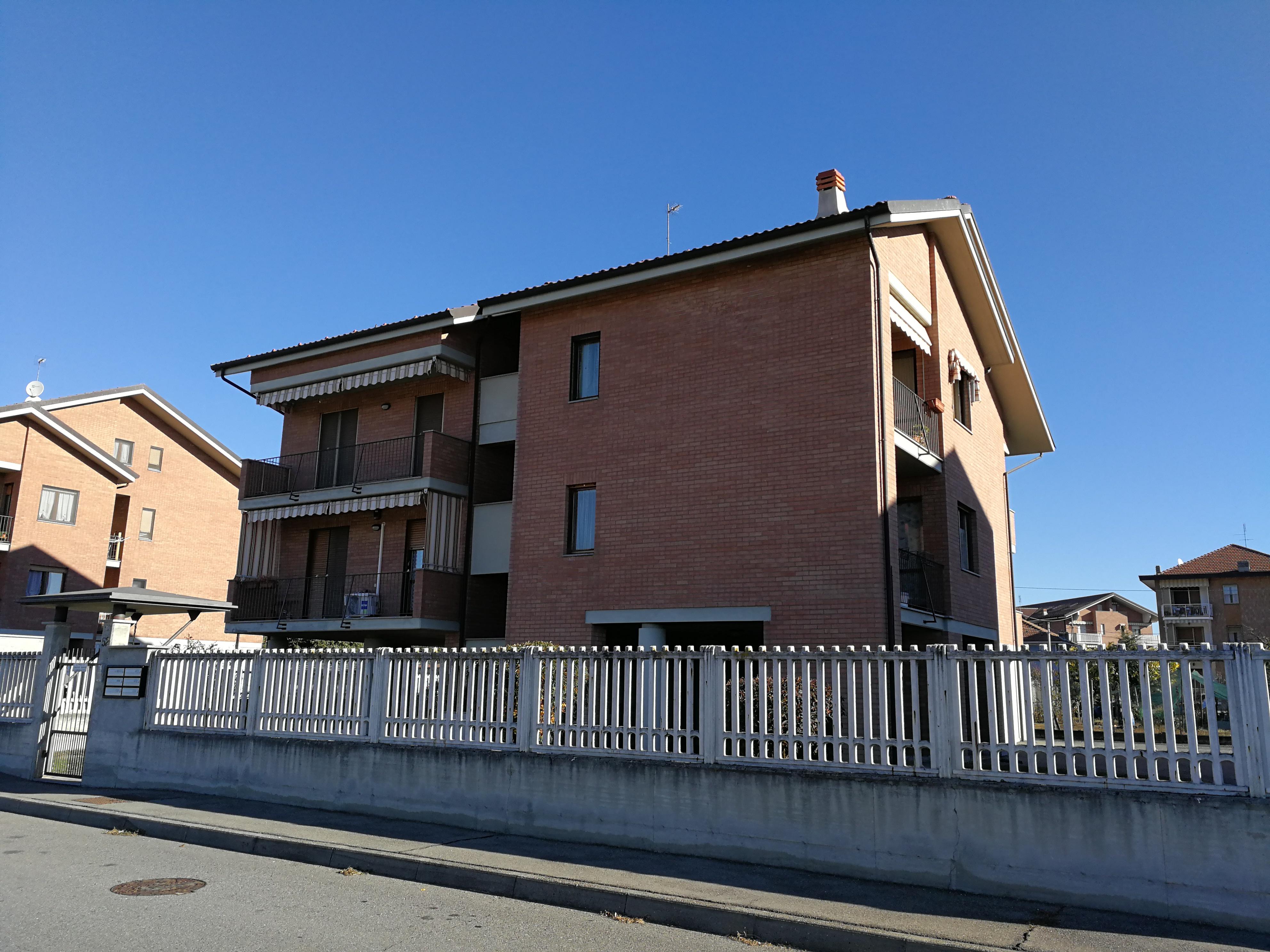 Caselle T.se. Recente e ampio alloggio con sottotetto € 199.000