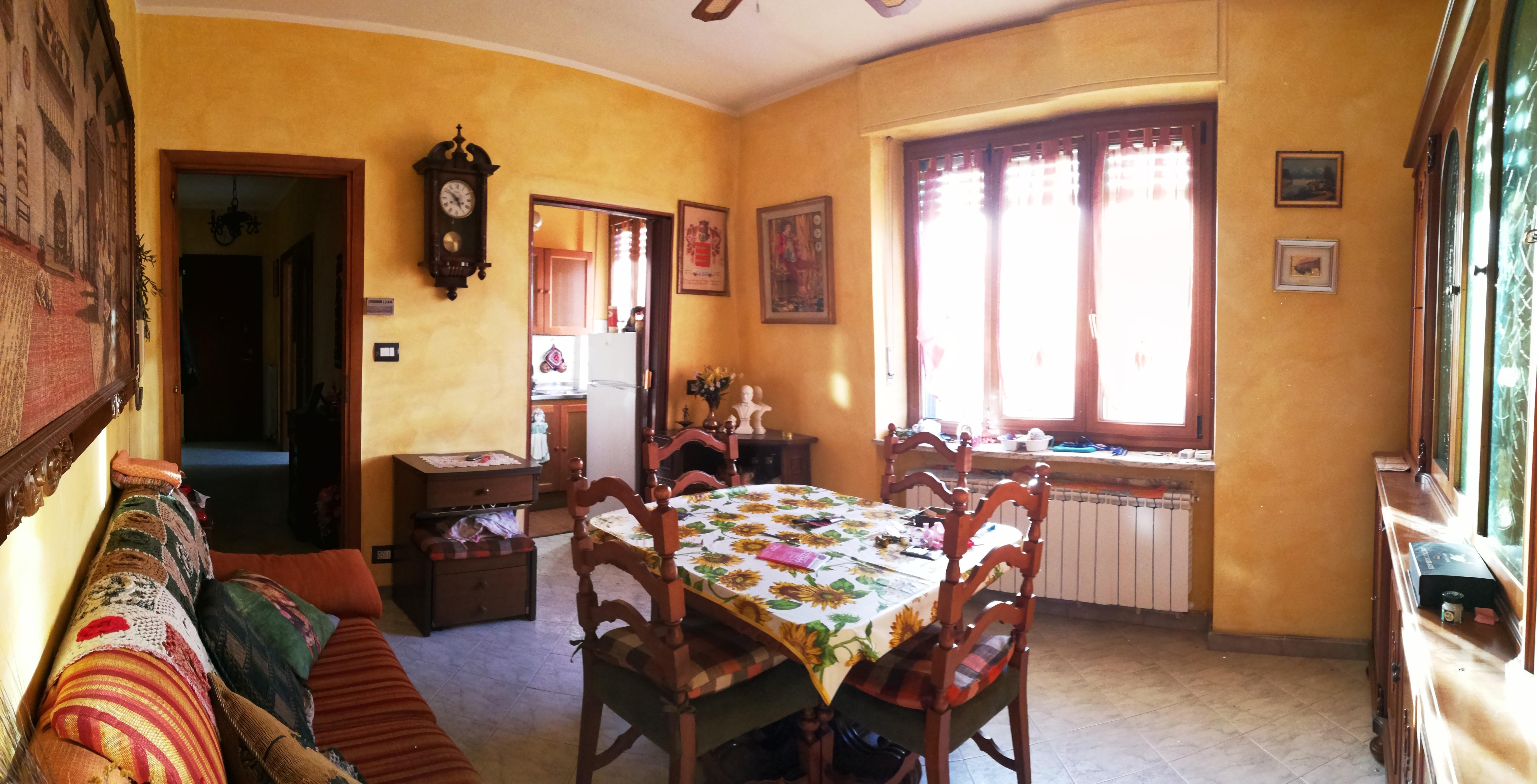Caselle T.se. In piccola palazzina alloggio trilocale € 65.000