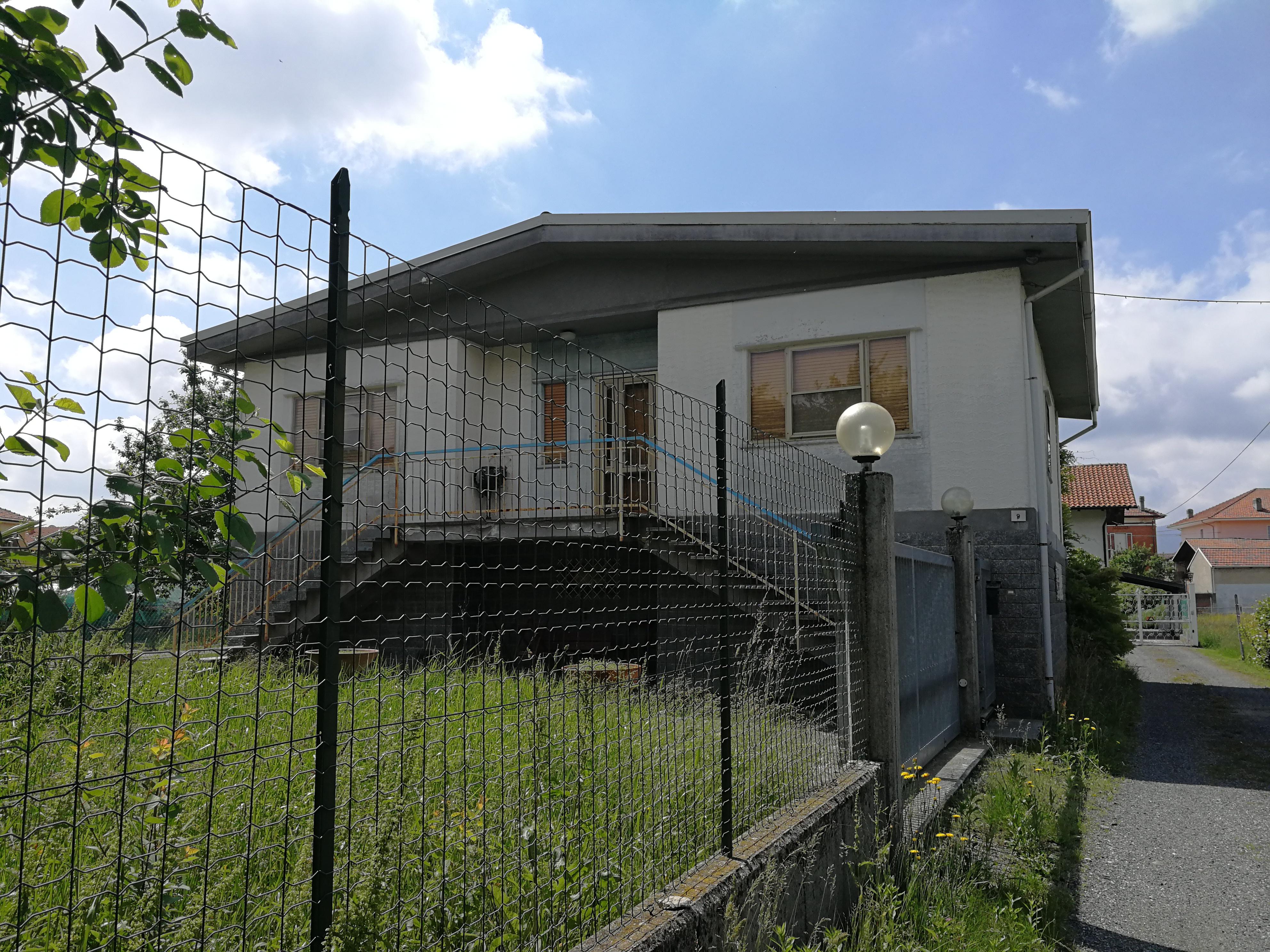 Balangero. Casa indipendente con giardino privato € 220.000