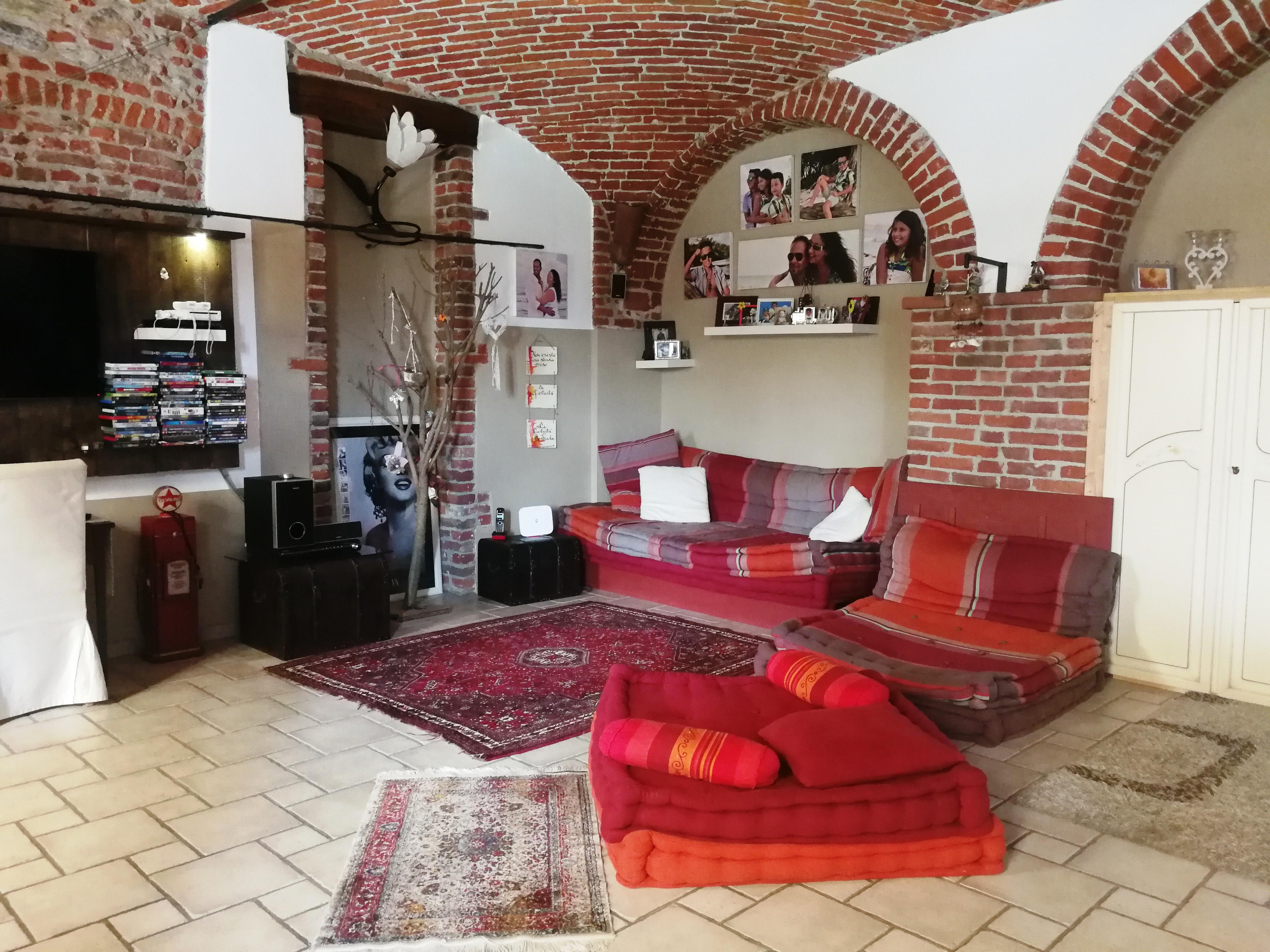 San Maurizio C.se. Alloggio in cascinale ristrutturato € 245.000