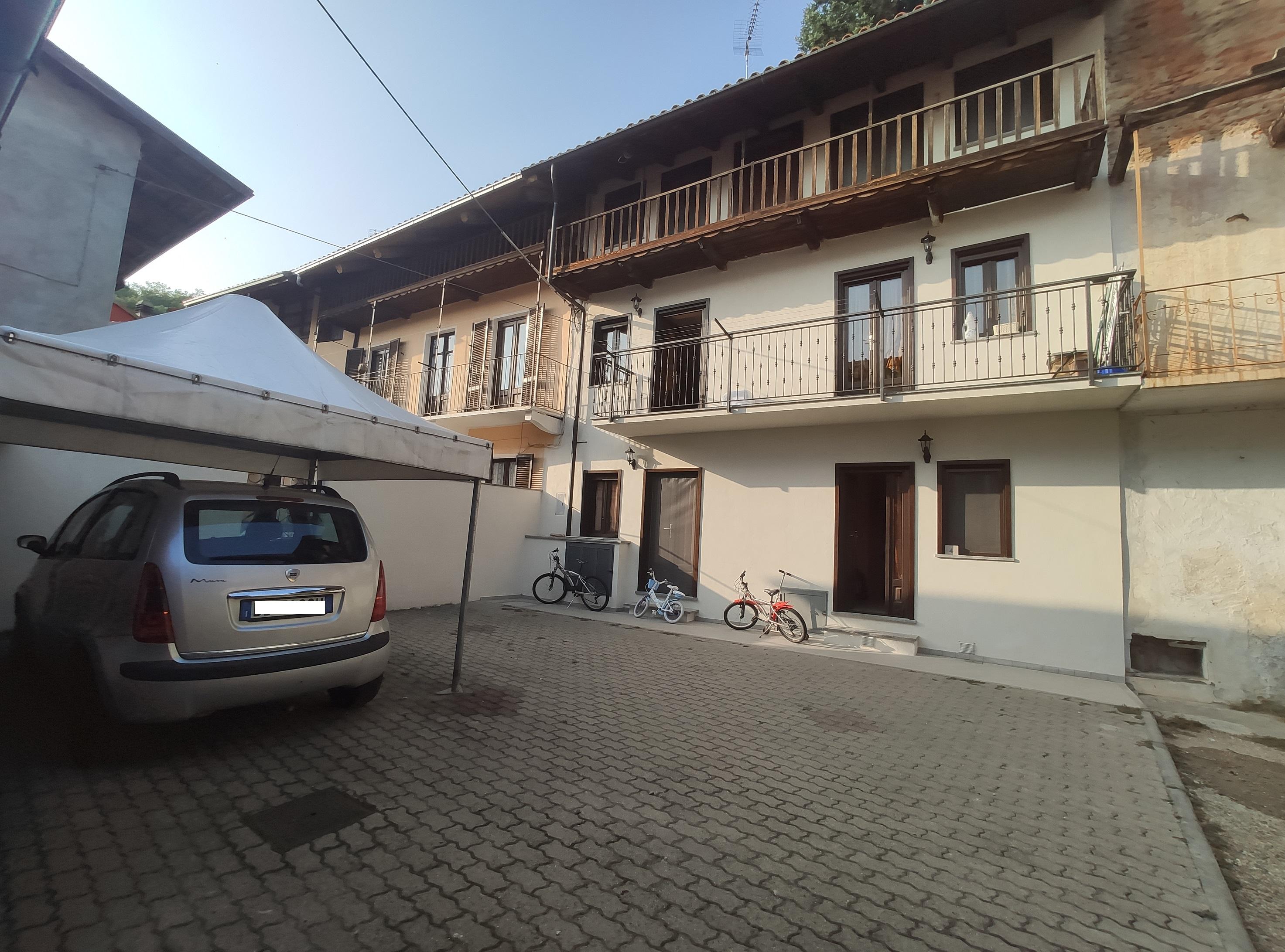 Balangero. Porzione di casa con cortile privato € 118.000