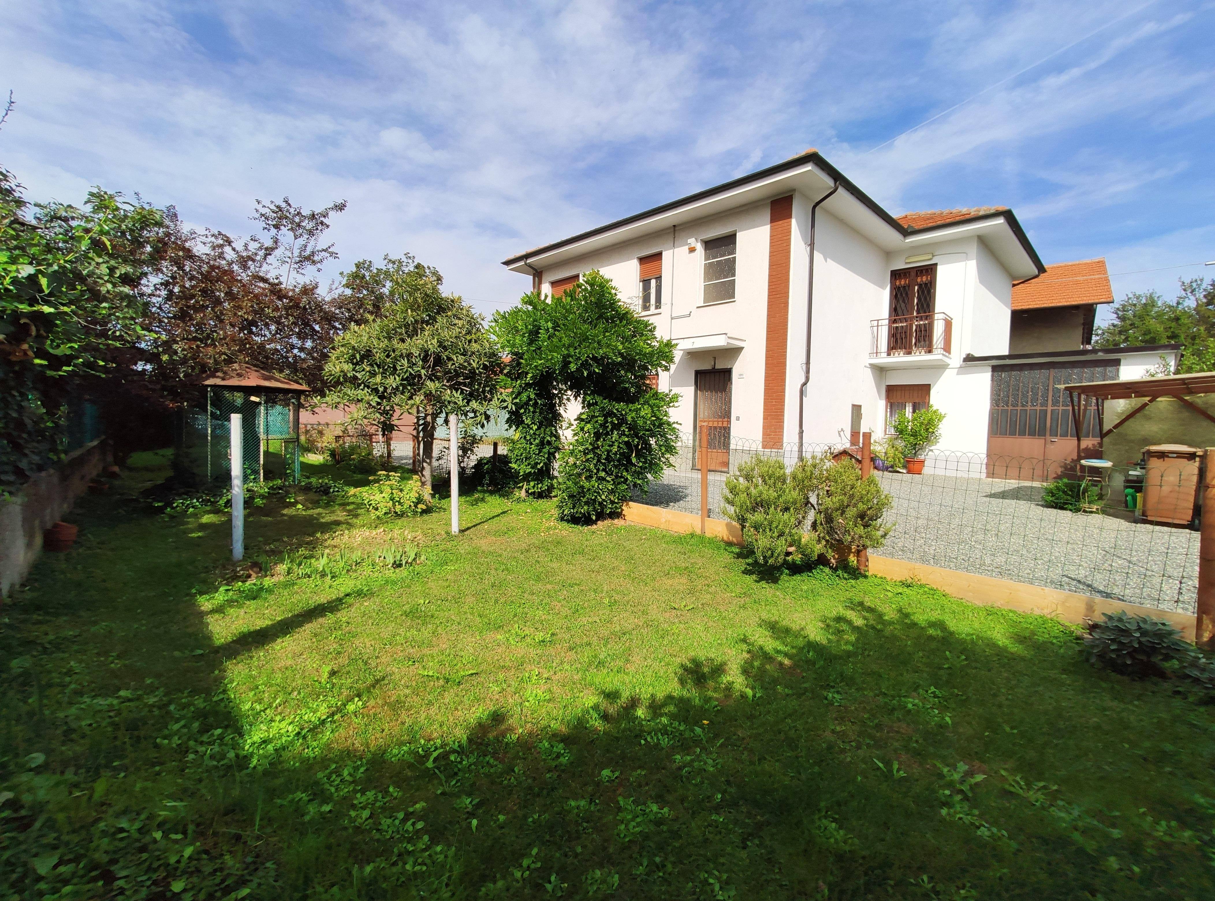 San Maurizio C.se Ceretta. Casa bifamigliare con giardino € 269.000